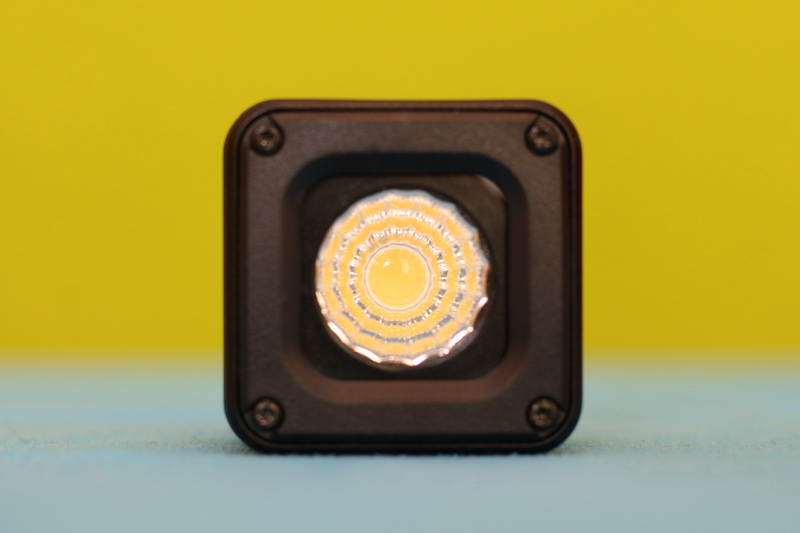 Ulanzi_L1-Pro_light_view_front