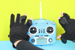 PGYTECH_FPV_drone_gloves_3_removable_finger_ends