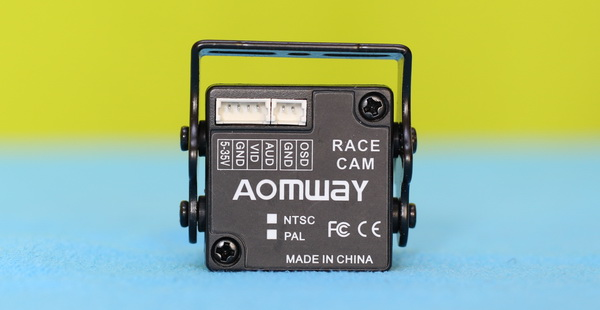 Aomway 1/3 review - Connectors