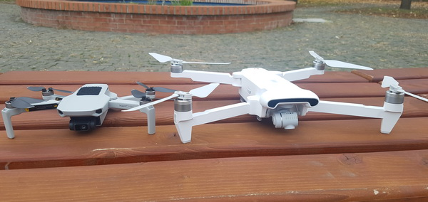 Mavic Mini vs Fimi X8SE side by side view